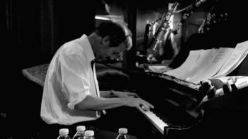 Hugh  Laurie - Imagen pública