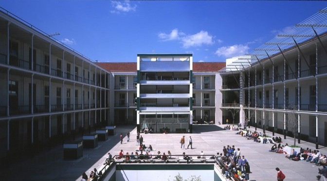Wert pone en la mira a la universidad pública como su objetivo a destruir