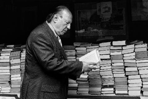 Imre Kertész-Imagen Pública