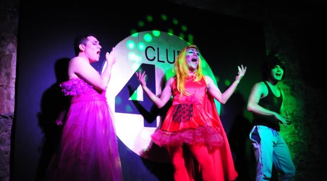 Putita Caperucita y el Stripper Precoz: Lenguas Prietas Teatro regresa al cabaret