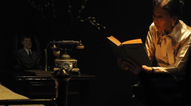 Recuerdos que pesan:El árbol en Rekámara Teatro íntimo