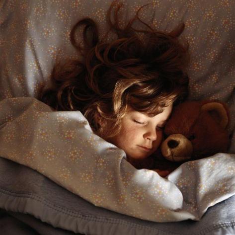 Niña durmiendo - Imagen pública