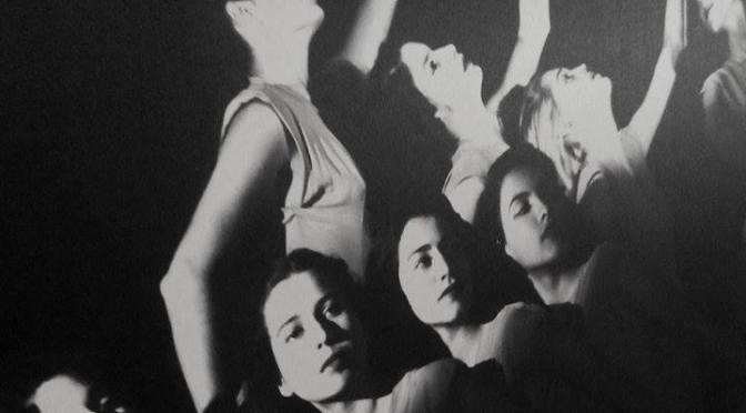Presencia de la danza, en la Fototeca Juan Crisóstomo Méndez