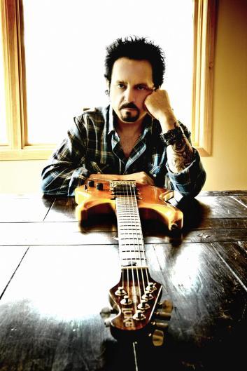 Steve Lukather - Imagen pública