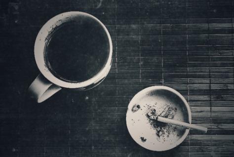 Café y cigarro - Imagen pública